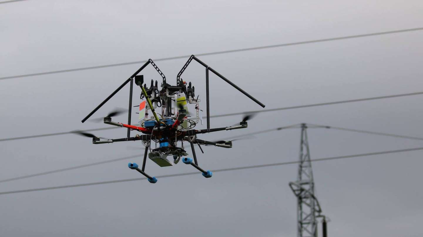 Presentation installation of bird protection measures on 110 kV power lines by drone